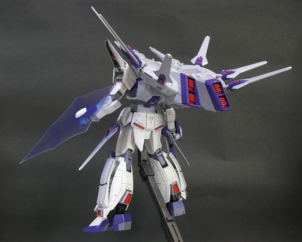 10 Legend Gundam 1;100