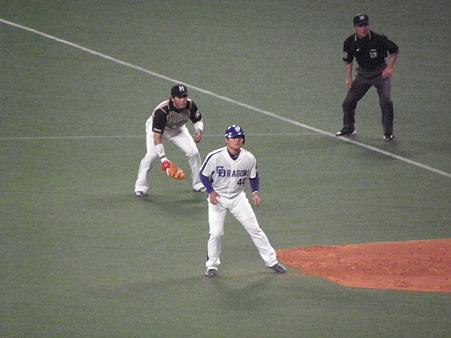 138 平田は四球で満塁です