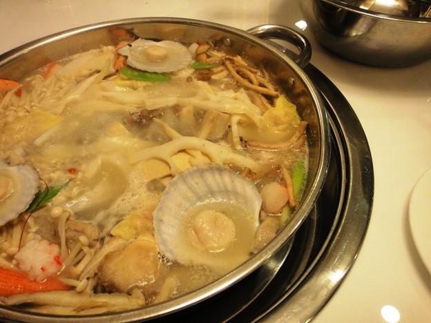 三人骨頭 二人鍋 貝とタケノコと菌