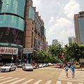 Photos: 暑い夏 上海 淮海路尾横断歩道