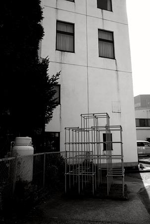 廃アパートと遊び場(SDIM0240c)