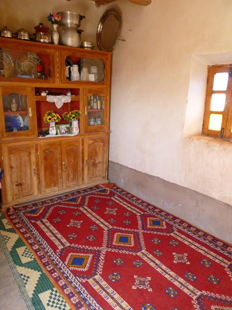 モロッコの日干し煉瓦の民家の居間