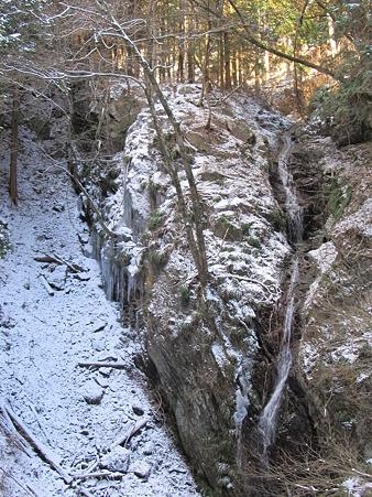 山の旅人のつぶやき アプローチ、温泉の紹介
