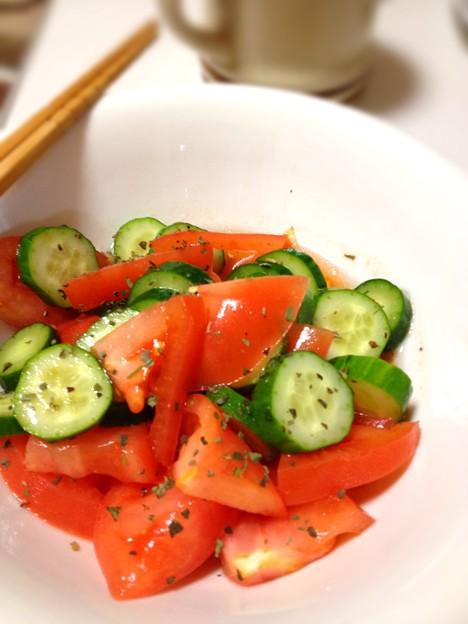 Photos: ホント、よくトマト食べるようになった