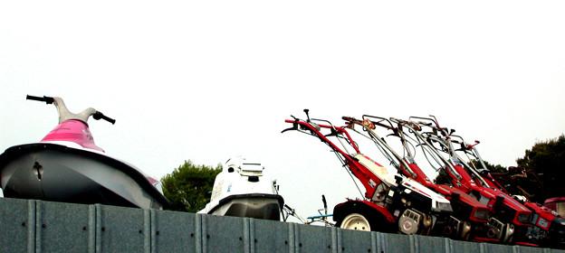 Photos: 耕運機も今やレジャーの道具