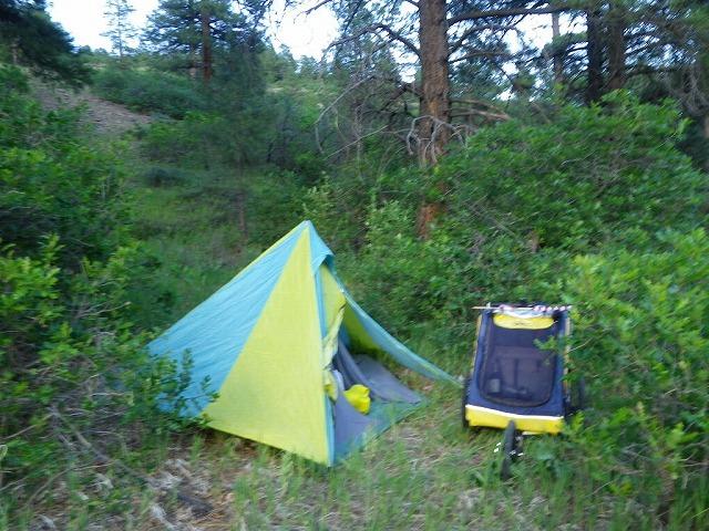 コロラド州ロッキー山中でのブッシュキャンプ。