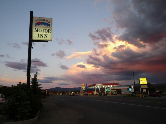 左で紹介したモーーターイン付近の夕景。