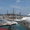 右・コスタ・コンコルディア号・イタリア豪華客船