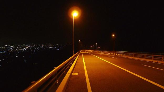 夜景の観える下り坂