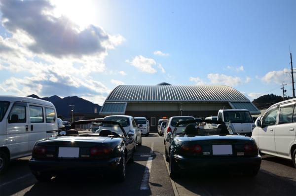 青空の下に並ぶ2台のVRリミテッド