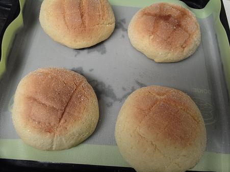自家製メロンパン焼けた